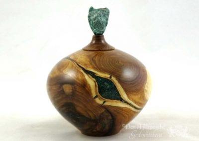 urn--urn-van-gouden-regen-gevuld-met-fuchsiet_pd297570_692x519
